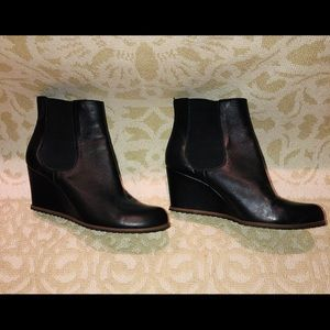 TESORI Black Leather Wedge Ankle Boots-Size 9.5